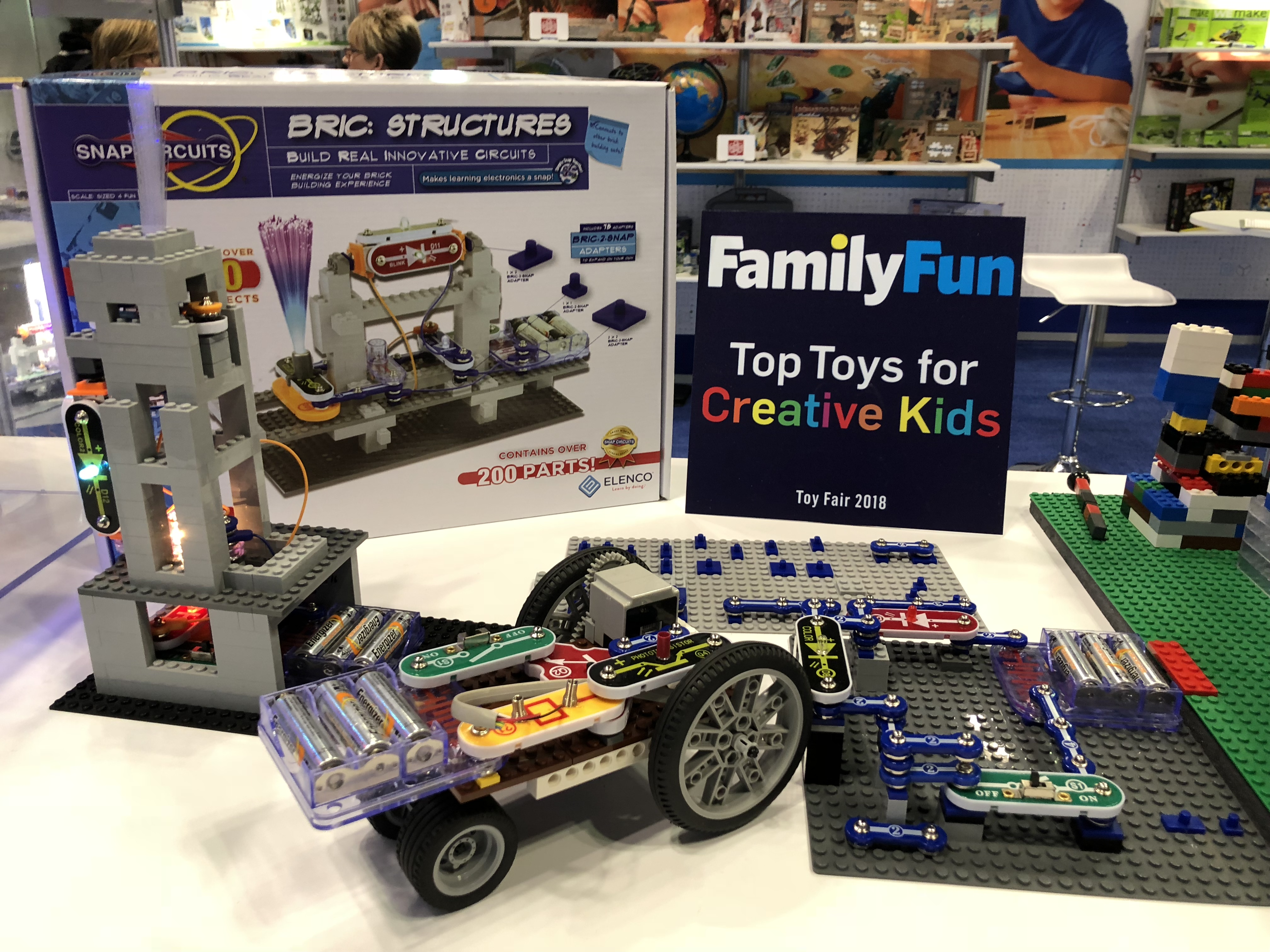 Awarded TOP TOYS FOR CREATIVE KIDS!